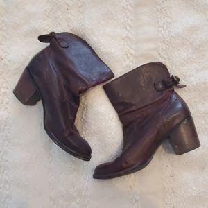 Frye Lucinda Short Boot - Brown